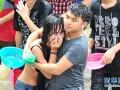 海南嬉水节:数十名女性被扒衣遭性侵 (5)